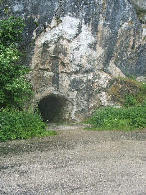 Cave_hole