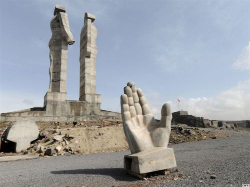 Mustafa Ozer Statue of Peace & Brotherhood by Mehmet Aksy Kars (Turkey)