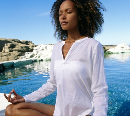woman_meditating_pool